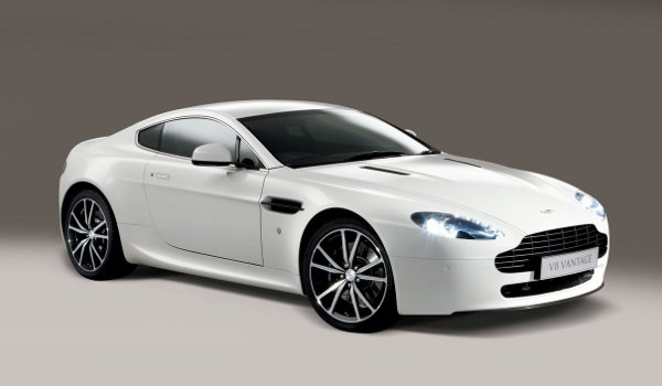 Plus de photo de l' ASTON MARTIN V8 Vantage N420