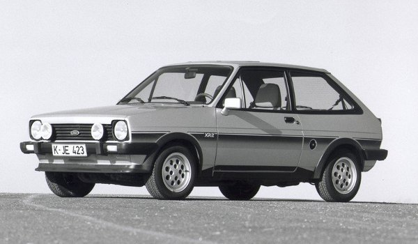 Plus de photo de la FORD Fiesta XR2