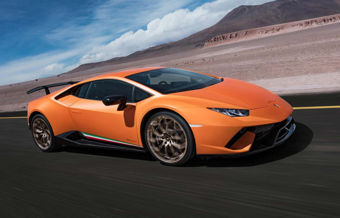 Plus de photo de la LAMBORGHINI Huracan LP640-4 Performante