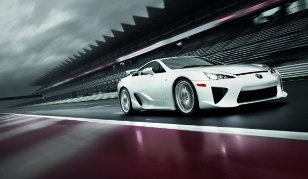 Plus de photo de la LEXUS LFA