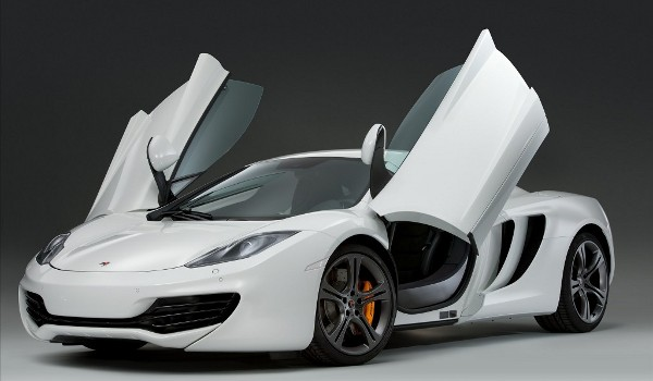 Plus de photo de la Mc LAREN MP4-12C (2013)