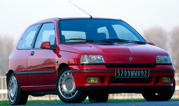 Plus de photo de la RENAULT Clio 16s