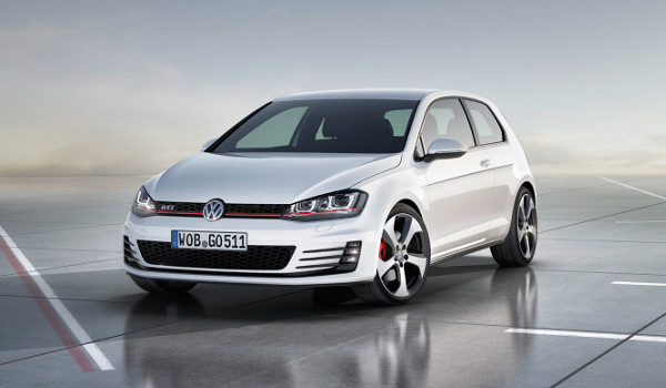 Plus de photo de la VOLKSWAGEN Golf 7 GTi DSG